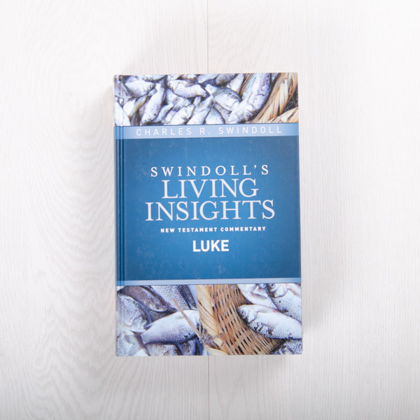 Swindoll's Living Insights New Testament Commentary: Luke, hardcover by Charles R. Swindoll